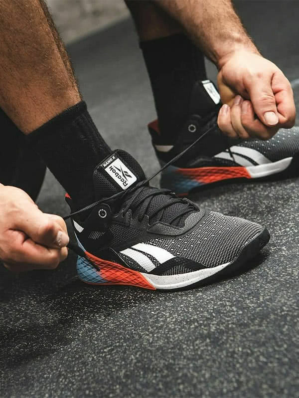 Nuova collezione di scarpe da allenamento